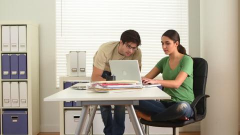 כששני בני הזוג עצמאיים - כלכלה עד הבית  במודיעין